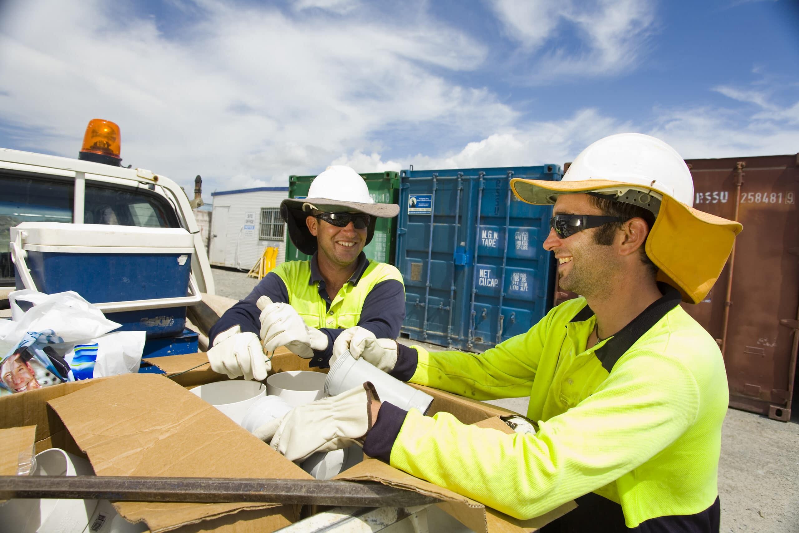 SunSmart outdoor workers - MyUV  889194f3d92